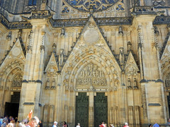 St Vitus Cathedral, 2016 Aug 27 -- photo 9 (Dunnock_D) Tags: czechia czechrepublic prague cathedral stvitus castle praguecastle malástrana lessertown