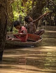 chong khneas floating village (JoanCanalsPhotography) Tags: chongkhneas floatingvillage village people woodhouse life traveling joancanals cambodja camboya cambodia tonlesap lake tonlesaplake