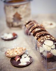 DSC_0100 (103) (La Marquise de Jade) Tags: chocolat chocolate mandiant noisette amande amond noixdecoco gourmandise chocolatrie douceur cuisine sucre sucré food nourriture pâtisserie