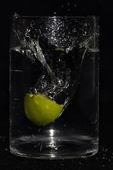 Vitamine (blickfängerin) Tags: wasser water splash früchte fruits