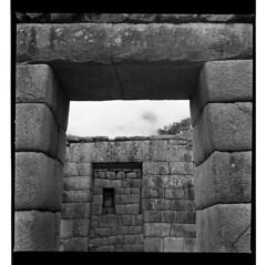 arco (charlesgonzalezcan) Tags: cuzco perú archaeology culture