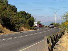 Ruta i810, hacia Chimbarongo (RL GNZLZ) Tags: chile road ruta strada carretera route estrada region embalse rodovia o´higgins chimbarongo sextaregion conventoviejo rutai810