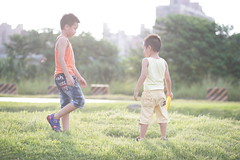 Afternoons (jimmy_a168) Tags: family summer boys kids lawn run frisbee afternoons