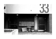 . (Alex Sander S.) Tags: epsonv500 classicblackwhite tmy filmshooters analogphotography kranichstein planar45mm contaxg1 45mm urbanphotography caffenol darmstadt film streetphotography 4001600 classicblackandwhite filmisnotdead believeinfilm filmphotography carlzeiss carlzeissplanar urban contax 35mmfilm tmax analog