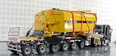 MERCEDES-BENZ AROCS BIG SPACE + FLATBED TRAILER (6 AXLE) - GROHMANN + WATER TANK 777D-003 (Diecasts Collectors Brasil) Tags: mercedesbenz arocs big space slt 8x4 wsi premium line 041175 flatbed trailer 6 axle grohmann power – 9795 water tank 777d