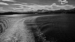 Zwischen Harstad und Finnsnes, Norwegen / Between Harstad and Finnsnes, Norway (ludwigrudolf232) Tags: schifffahrt meer berge norwegen