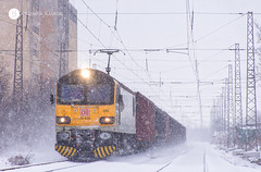 Oscar Wilde in the snow (cossie*bossie) Tags: 92 025 br class 92025 oscar wilde british electric locomotive bulgarian railways db cargo bulgaria freight train copper concentrate chelopech burgas snowfall snow loco