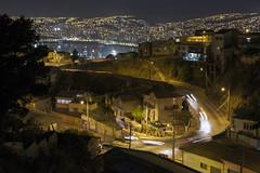 La bahia de Valparaíso vista desde el Cerro Playa Ancha (Jacques Lebleu) Tags: valparaíso chile chili bay bahia nigh noche luz cars coches calles street headlights taillights