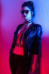 Neon Talents (Christoph Kaffee) Tags: blue leather portrait contrast pentax tattoo strongfemale pink woman strobist harness piercing gels neontalents photography red