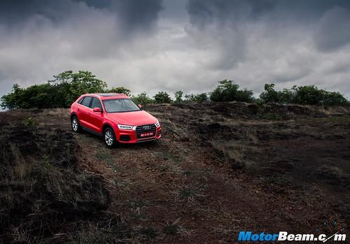 2015-Audi-Q3-Facelift-06
