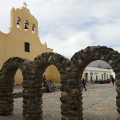🎶Yendo de la plaza a misa🎶 #Gla #lares #vagabundeos #Iglesiadepueblo #Norte #Argentina #Cachi #Salta #RN40 #valle #calchaquies #valley