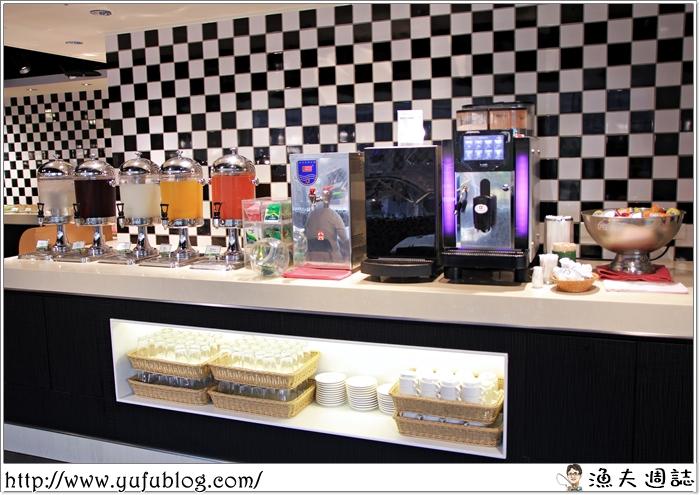 凱撒飯店 Checkers 兩人同行一人免費 生日優惠 吃到飽 歐式自助餐