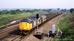 13/06/1989 - Treeton South Junction, Sheffield, South Yorkshire. (53A Models) Tags: britishrail class37 37520 diesel freight treetonsouthjunction sheffield southyorkshire train railway locomotive railroad