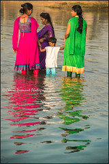 Reflection.  T Narsipur (Claire Pismont) Tags: asia asie inde india karnataka woman women holy pismont clairepismont reflection reflet reflect hinduism hindouisme hindu travel travelphotography documentory