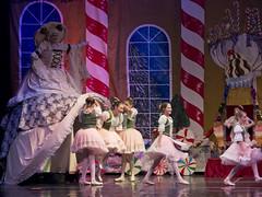 DJT_3465 (David J. Thomas) Tags: dance dancers ballet ballroom nutcracker holidays christmas nadt northarkansasdancetheatre uaccb batesville arkansas