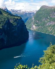 DSC_4004 (stefanh.varberg) Tags: chevrolet corvette geiranger norge fjord husbil mc utsikt örnesvingen