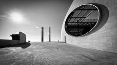 future paradise (Hendrik Lohmann) Tags: street streetphotography strassenfotografie strase lisboa lissabon portugal menschen people minimalism hendriklohmann nikon df