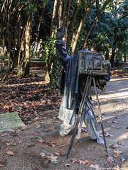 El fotografo (cvielba) Tags: valladolid campogrande estatua fotografo