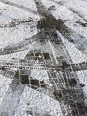 Traces (De Rode Olifant) Tags: marjansmeijsters traces