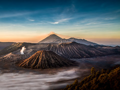 Mount Bromo (v-_-v) Tags: mountain fog sunrise landscape volcano java asia smoke id southeast indonesien mountbromo