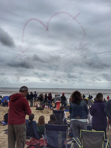 Red Arrows draw a heart