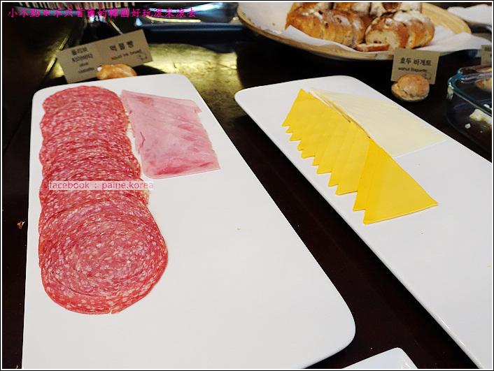 弘大 the famous lamb 早午餐buffet (31).JPG
