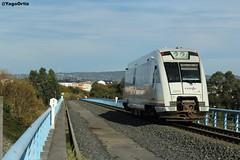 On the bridge (yagoortiz) Tags: tren feve 2905 via estrecha alto do castaño ferrol puente viaducto galicia regional oviedo