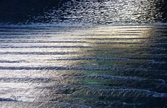 Ruissellement (michele 69600) Tags: eau water fondationvuitton paris france texture abstrait extérieur ligne motif fontaine