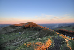 Low sun and shadows. (sidibousaid60) Tags: sunset mamtor rushupedge hopevalley derbyshire peakdistrict nationalpark uk landscape shadows hills road outdoor