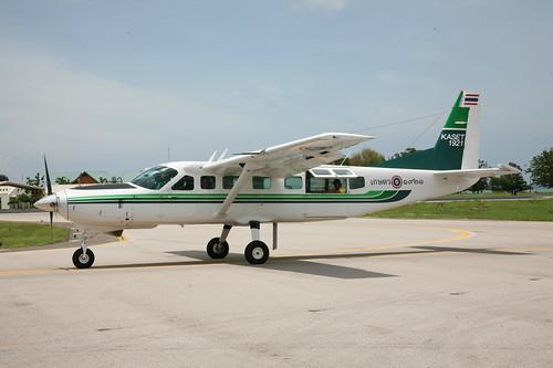 Cessna 208B 1921 Hua Hin 31May08 (Tom Milliken)
