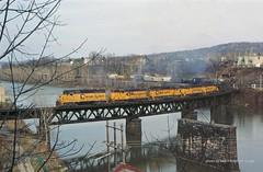 Ches 3027, Skinner, S. Connellsville, PA. 11-11-85 (jackdk) Tags: railroad trestle bridge train river railway co locomotive bo chessie youghiogheny chesapeakeandohio youghioghenyriver emd baltimoreandohio gp9 gp30 gp40 chessiesystem emdgp9 emdgp30 emdgp402 emdgp40