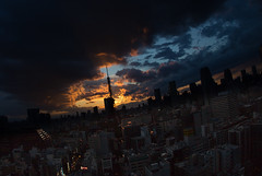 dramatic Tokyo Tower (mewtwoo) Tags: sunset red sky orange skyline architecture clouds photoshop tokyo outdoor himmel wolke sigma fisheye 日本 tokyotower 東京 夕日 15mm hdr 東京タワー lightroom オレンジ 六本木 赤 赤い sigma15mm sigma15mmf28 15mmf28 eos6d hdrpro 15mmfs8exdg