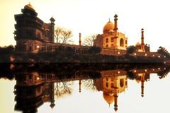 India - Uttar Pradesh - Agra - Taj Mahal - 27e (asienman) Tags: india agra tajmahal asienmanphotography mausoleum tomb mughalarchitecture uttarpradesh unescoworldheritagesite muslimart
