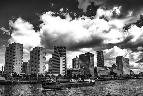 "Rotterdam • <a style=""font-size:0.8em;"" href=""http://www.flickr.com/photos/68368751@N05/20156117468/"" target=""_blank"">View on Flickr</a>"