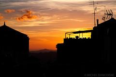 Coucher de soleil sur les toits à Caltagirone (Michel Dancoisne) Tags: caltagirone coucherdesoleil dancoisne italie lieux michel personnes photographie sicile toits