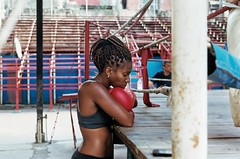 La boxe a Cuba parte 2 (Armando Magro) Tags: cuba boxe scansionenagativo kodakportra400 ingiroafareituristi