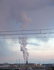 landsberger allee (lomokitty) Tags: berlin canon germany deutschland dusk smoke 2006 todo dämmerung g6 friedrichshain eastberlin february2006 landsbergerallee