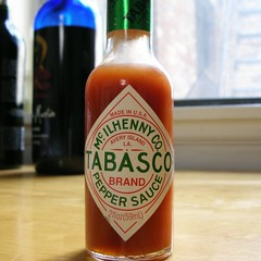 Tabasco (_MaO_) Tags: 2005 nyc summer usa sun sunlight ny newyork home kitchen brooklyn square table bottle nikon afternoon bottles spice parkslope august crop coolpix cropped summertime tabasco s1 nikons1 brand squared slope quadrato coolpixs1 ritagliata