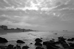 dark sky (Tomsch) Tags: travel sea sky bw holland beach water netherlands tag3 taggedout clouds blackwhite travels tag2 tag1 scheveningen journey niederlande darksky tomsch