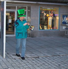 St. Paddy` s Day in Deggendorf (Marchal) Tags: germany geotagged europe 2006 plazes christian mapprinclude f11 stpatricksday mappr renner 1on1 marchal deggendorf finepixf11 fujif11 geo:lat=488374 geo:long=1296756 stpatricksday2006 spd2006 spd2006deggendorf christianrenner cjrenner cnrenner crenner