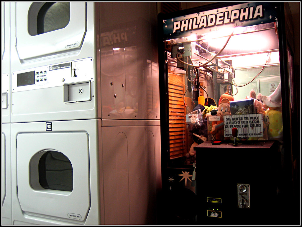 The worlds best photos of chinatown and laundromat flickr hive mind 041114 filth215 tags philadelphia night chinatown sd400 philly laundromat solutioingenieria Images