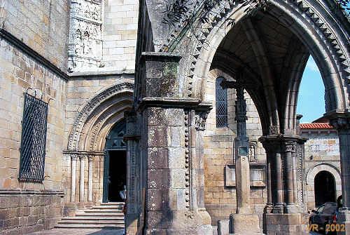 GUIMARÃES (Portugal): Padrão do Salado e Igreja da Oliveira