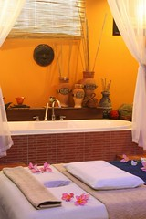 lorenzo south spa (Raul Wong Roa) Tags: travel philippines lorenzo boracay spa boracay200604 raulwongroa