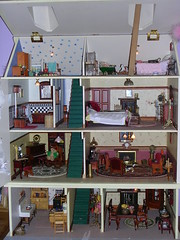 Dolls House (skoop102) Tags: house miniatures dolls small mini tiny miniatura dollshouse