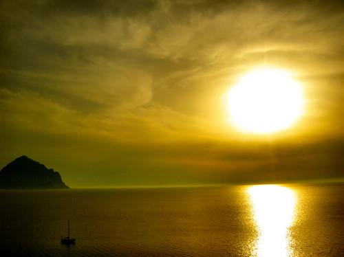 Un atardecer en el mar que podría ser el último