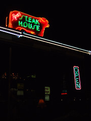 Rod's Steak House (Curtis Gregory Perry) Tags: old light arizona signs classic luz window glass sign night vintage licht cow neon glow open williams bright lumire tube tubes az ne retro signage rod glowing dying rods luce muestra steakhouse important signe sinal neons  zeichen  non segno      teken      glowed    neonic