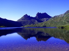 Cradle Mountain -What a morning ! (Earlette) Tags: lake holiday colour dove australia tasmania cradlemountain fnmc tbgc10