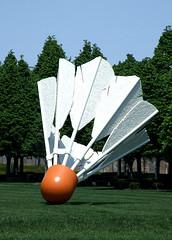 Shuttlecock (Gwen's River City Images) Tags: sculpture kansascity missouri publicart shuttlecock nelsonatkinsgallery