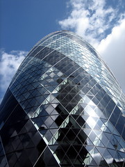 The Gherkin (30 St. Mary Axe) (James Shiell) Tags: uk england london skyscraper buildings thecity business gherkin swissre stmaxyaxe