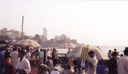 mumbai-waterfront street scene